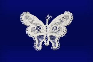 L雷波格拉瓦花邊蝴蝶圖案